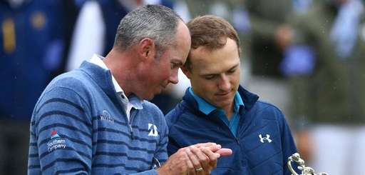 Winner Jordan Spieth of the United States, right,