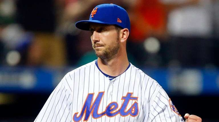 Jerry Blevins of the New York Mets celebrates