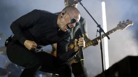 Linkin Park singer Chester Bennington performs at the