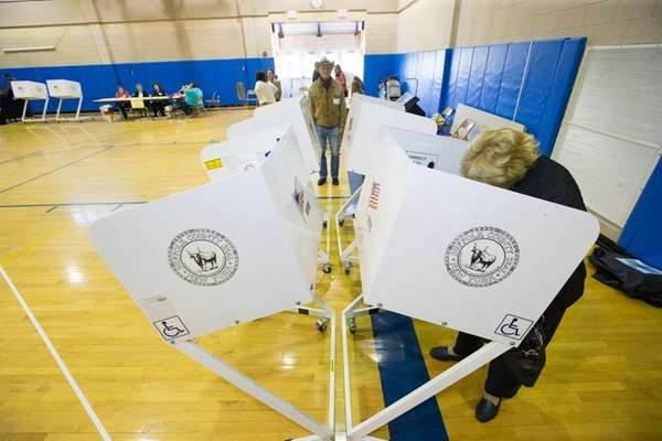 NY gov expands voter registration access