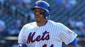 Mets catcher Rene Rivera returns to the dugout