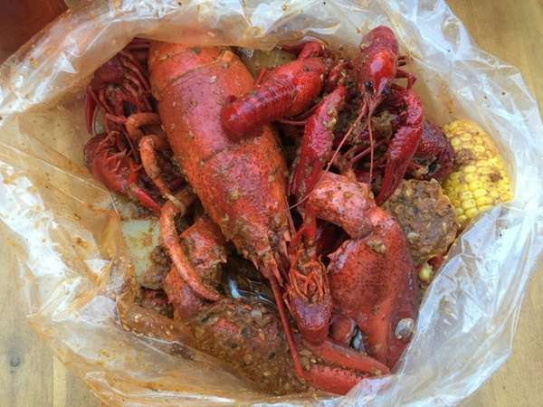 The lobster and crawfish boil at Ben's Crab