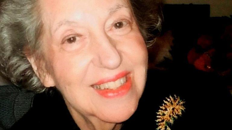 Arlene Carey Travis died at age 85 after