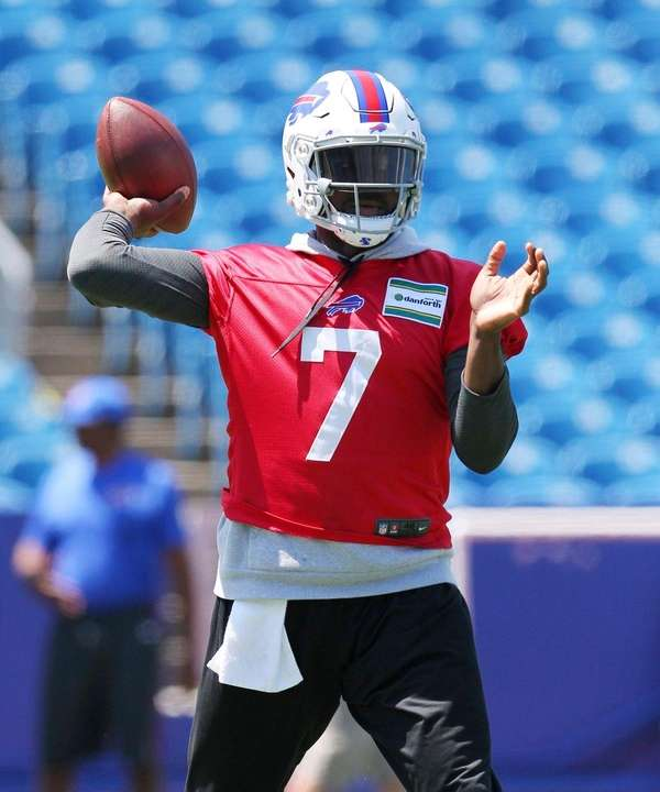 Bills quarterback Cardale Jones throws during minicamp in