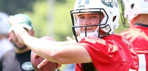 Jets quarterback Christian Hackenberg throws during minicamp at