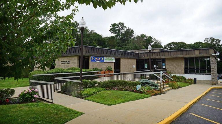 The Half Hollow Hills Community Library on Vanderbilt