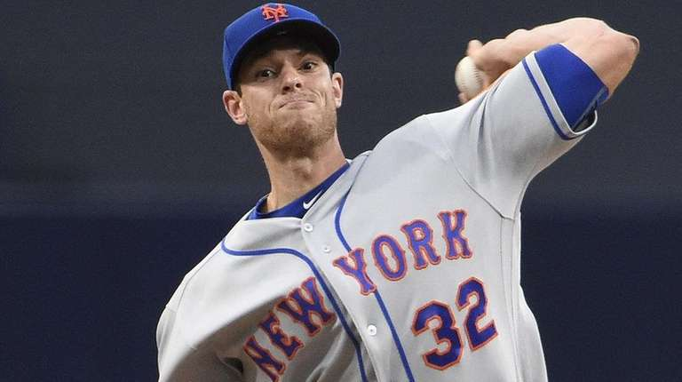 Steven Matz of the Mets pitches against the