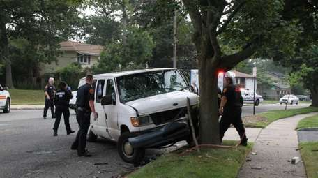 Police reopened New Highway in Commack after the