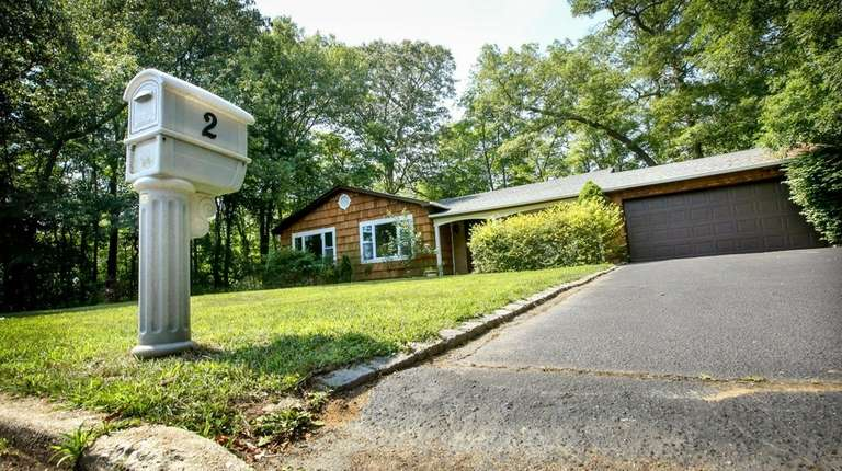 This home at 2 Oaktree Drive in the