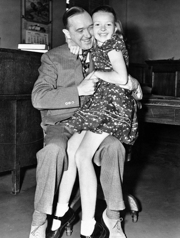 Lois Laurel Hawes sits on father Stan Laurel's