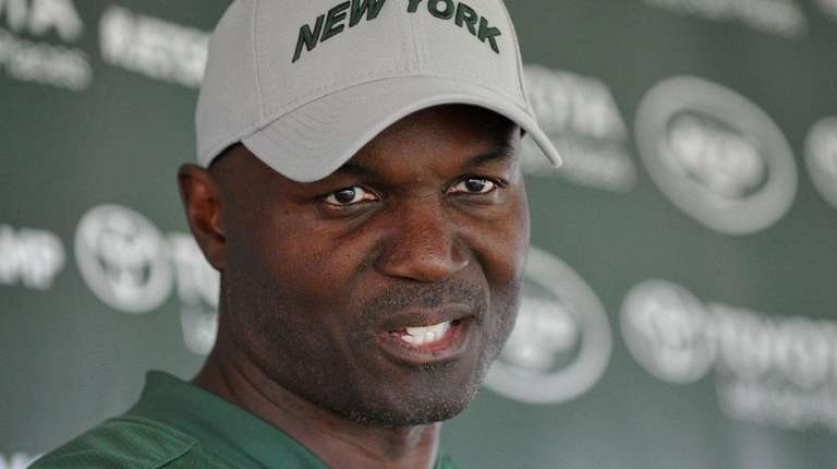 Jets head coach Todd Bowlesspeaks with the media