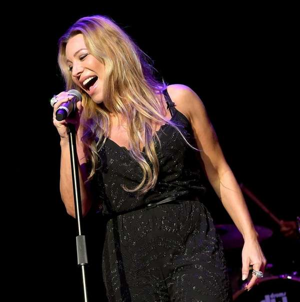 Taylor Dayne is coming to the NYCB Theatre