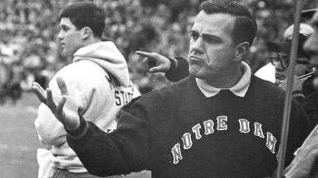 Notre Dame coach Ara Parseghian gestures during a