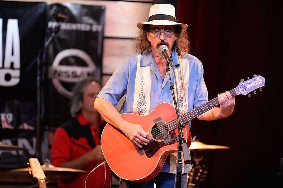 James McMurtry paid homage to the North Shore