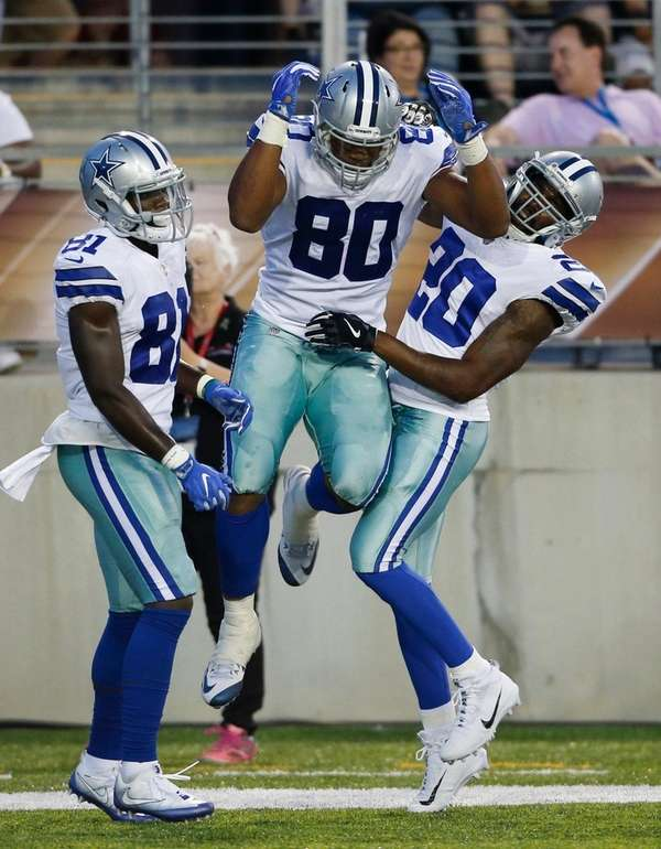 Cowboys tight end Rico Gathers (80) celebrates with