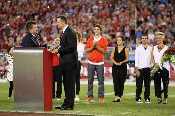 Arizona Cardinals president Michael Bidwill inducts former Arizona
