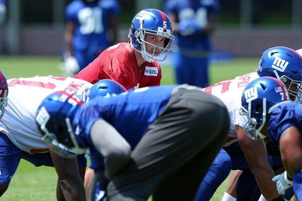 Giants quarterback Davis Webblines up behind center during