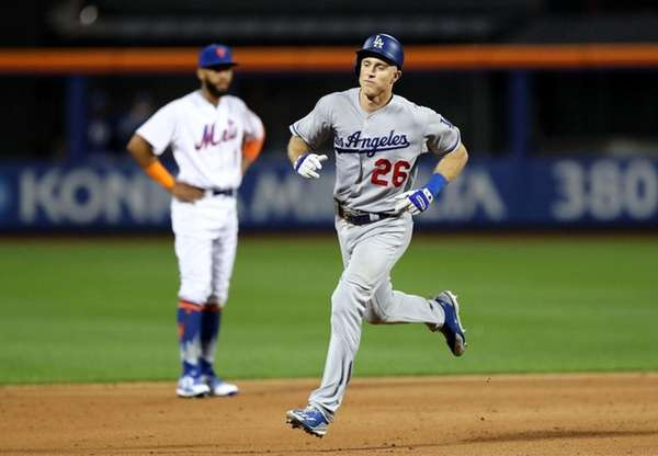 Red-hot Dodgers cap sweep of Mets with one-hitter