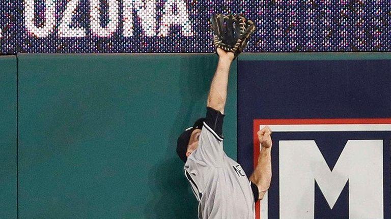 Brett Gardner #11 of the New York Yankees