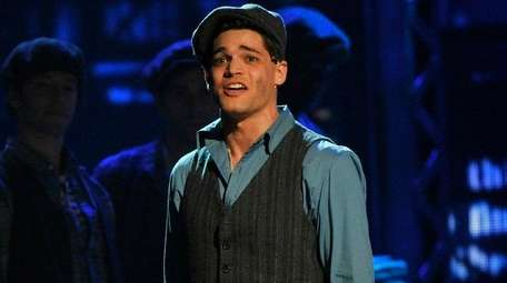 Jeremy Jordan performs with the cast of