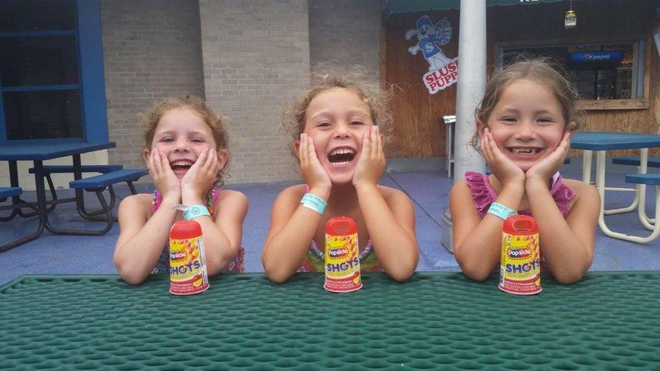 3 BFFs taking a lunch break from swimming.