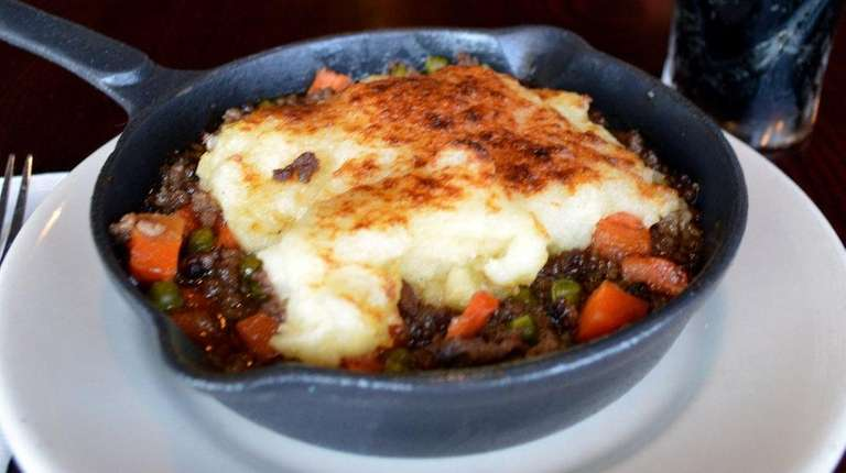 Shepherd's pie and a pint of Guinness at