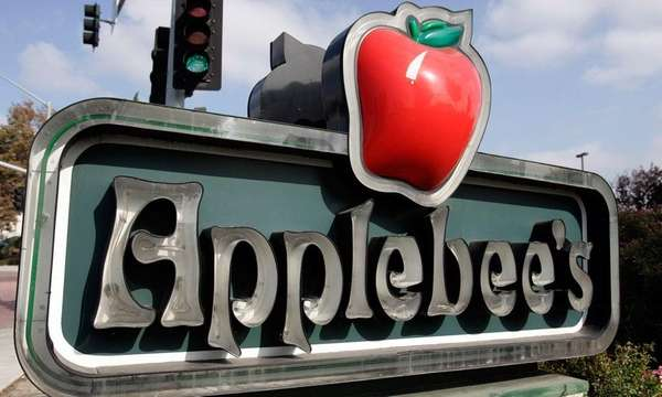 The exterior of an Applebee's sign near a