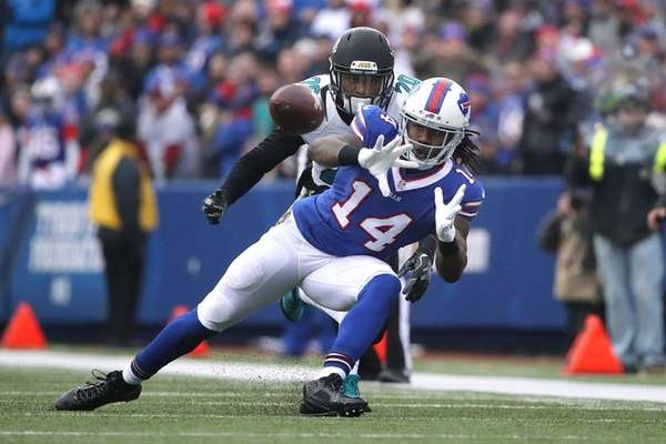 Sammy Watkins of the Buffalo Bills catches