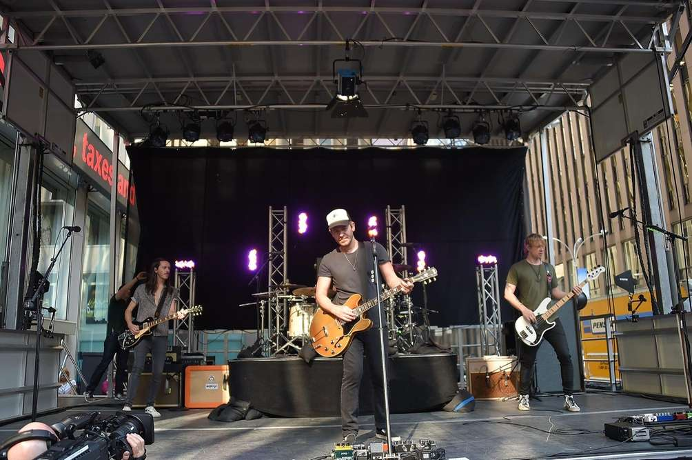The band Lifehouse performs on the Fox News