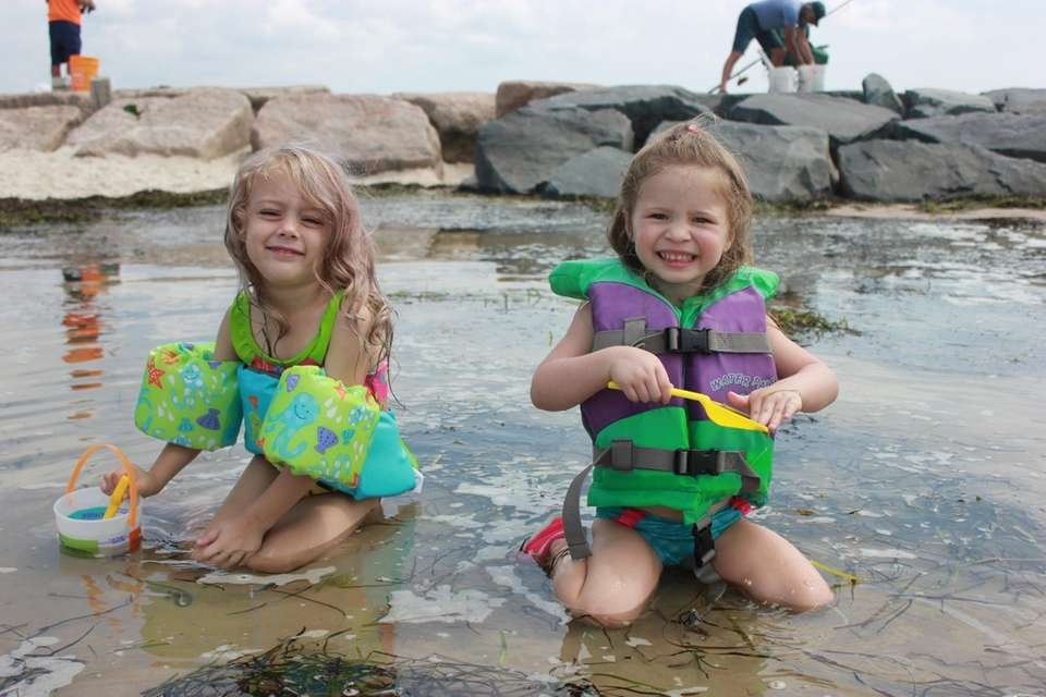 Rylee and Payton playing in a tide pool