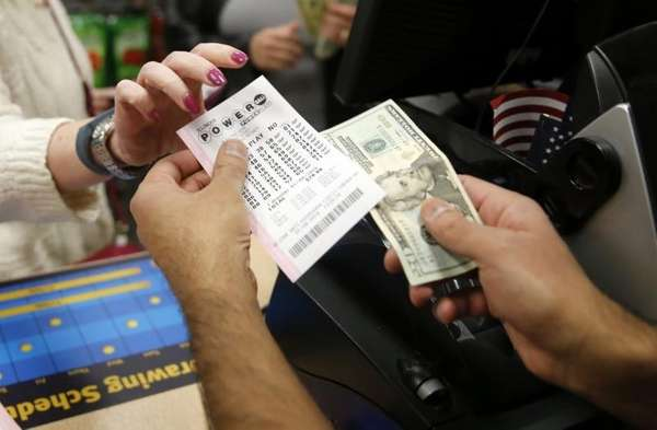 Fivefold Growth in Canadian Players for $430 Million US Powerball this Tuesday