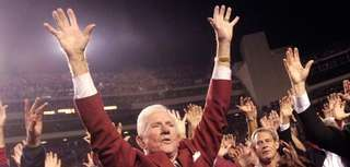 Frank Broyles, who guided Arkansas to its lone