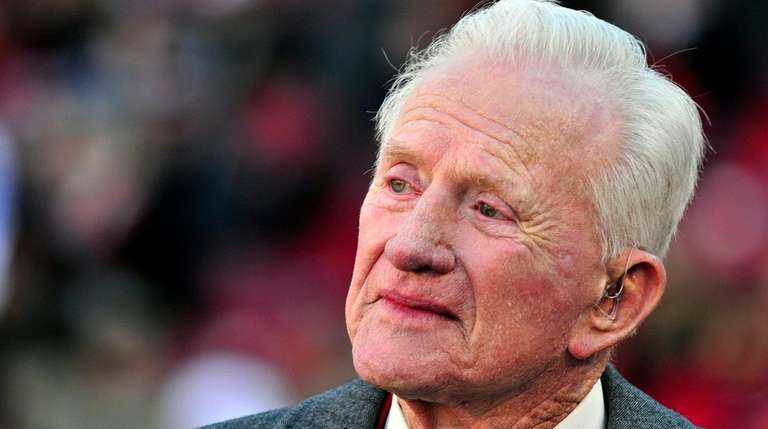 FrankBroyles, who guided theArkansas to its lone national