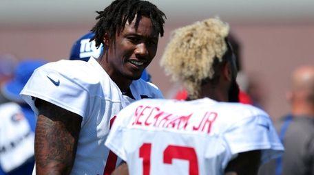 New York Giants wide receiver Brandon Marshall, left,