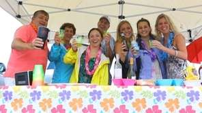 Jimmy Buffett fans didn't let rain stop them