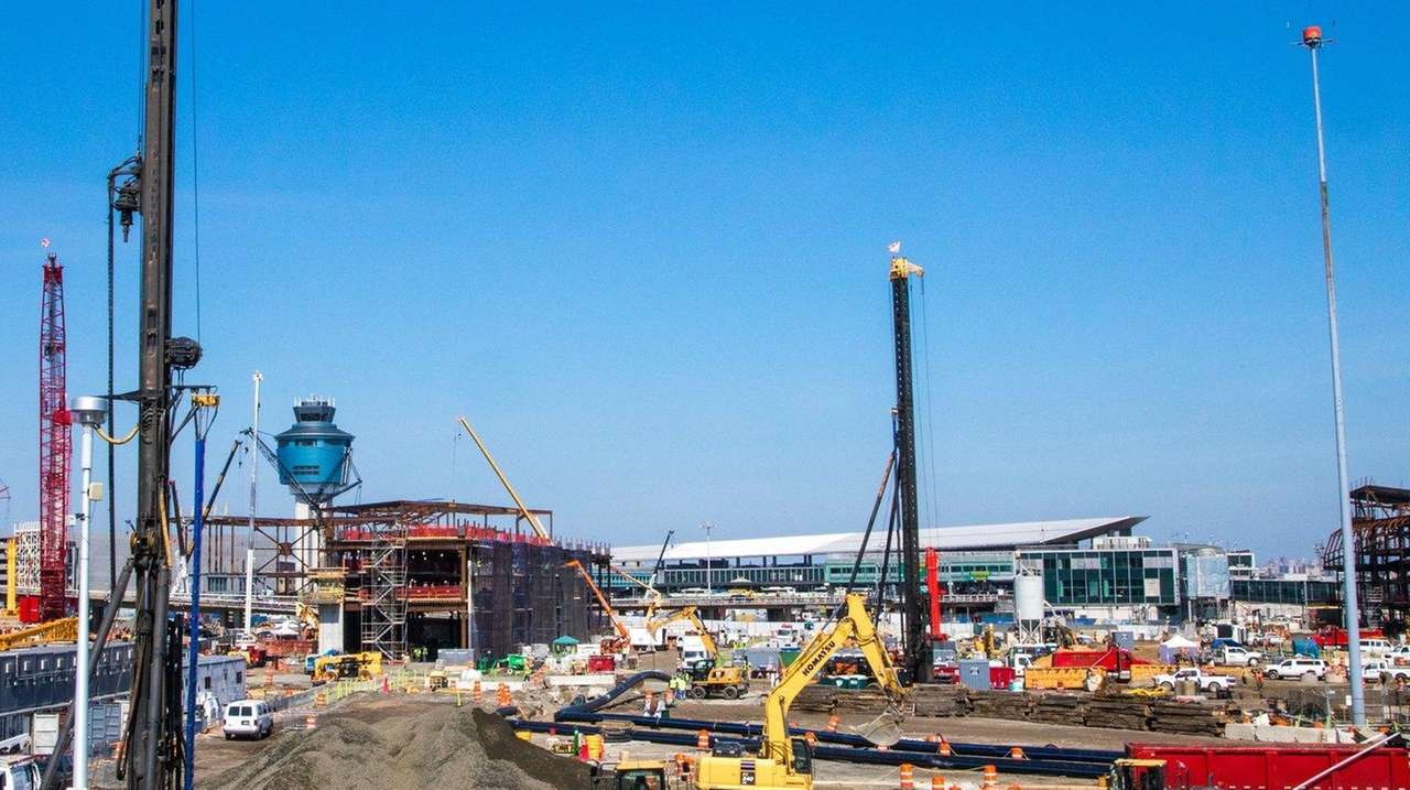 Port Authority New Traffic Pattern At Laguardia Airport