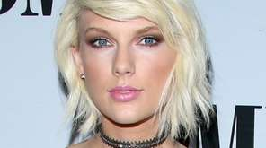 Taylor Swift is donating to groups that help