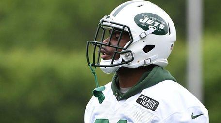 New York Jets wide receiver Quincy Enunwa looks