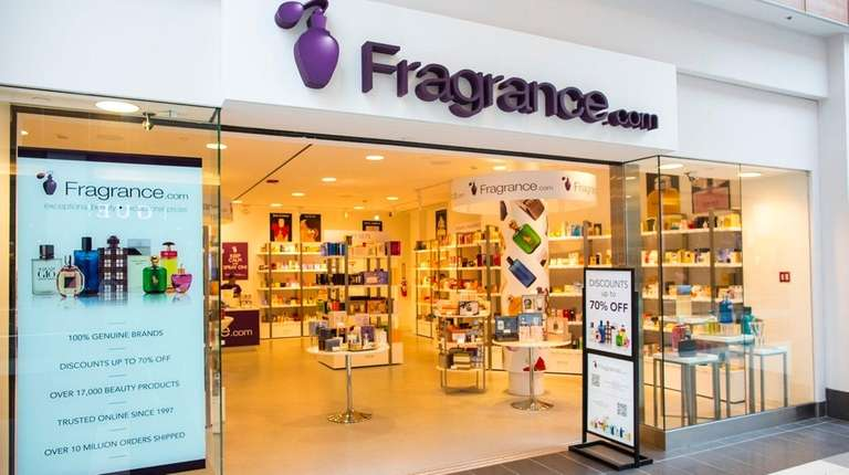 Fragrance.com retail storefront at the Roosevelt Field mall
