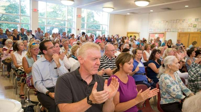 Residents question New York American Water Co. about