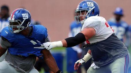 New York Giants center Weston Richburg (70) blocks