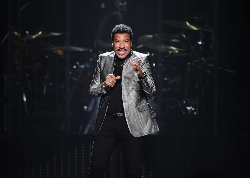 Lionel Richie performing at Madison Square Garden in