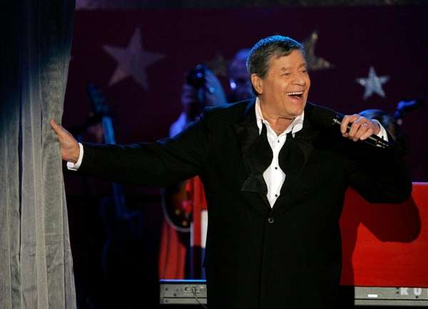 Jerry Lewis performs during the Muscular Dystrophy Association