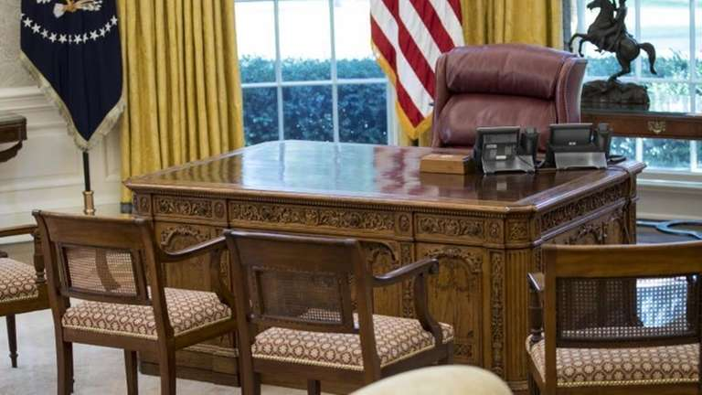 The newly refreshed Oval Office of the White