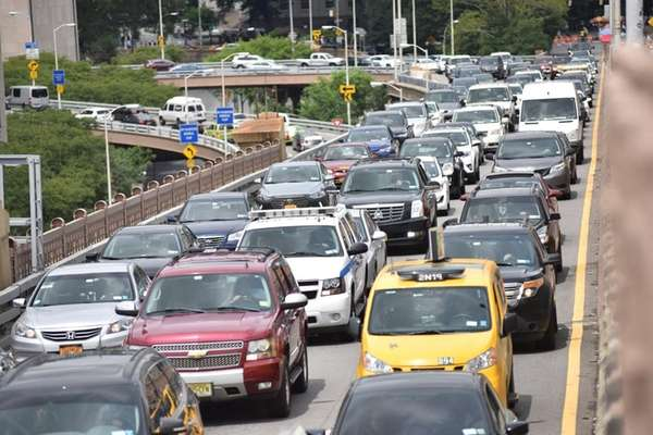 Gov. Andrew M. Cuomo is considering a congestion