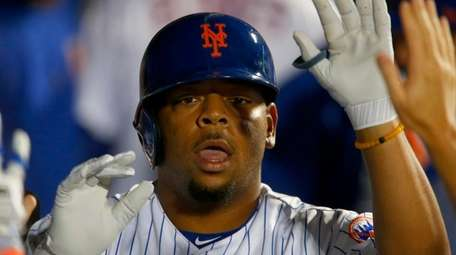 Dominic Smith after homering in sixth inning Wednesday
