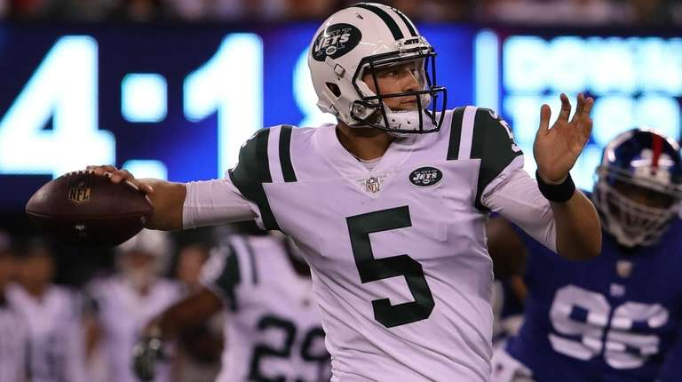 Jets quarterback Christian Hackenbergthrows a pass during the