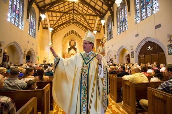 Bishop John Barres conducts Easter Mass at St.