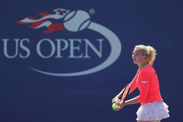 Svitolina battles on in US Open but Bouchard crashes out