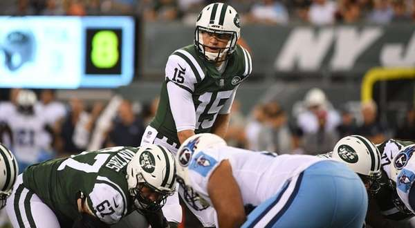 New York Jets quarterback Josh McCown calls signals